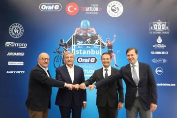 İstanbul Oral B Boğaziçi Triatlonu'nun tanıtımı yapıldı